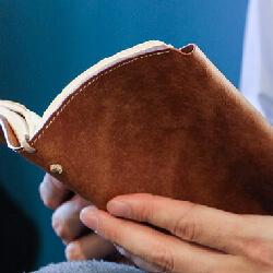 革製 ブックカバー
