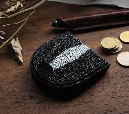フリースピリッツのコインケース ガルーシャ 馬蹄形小銭入れ エイ革