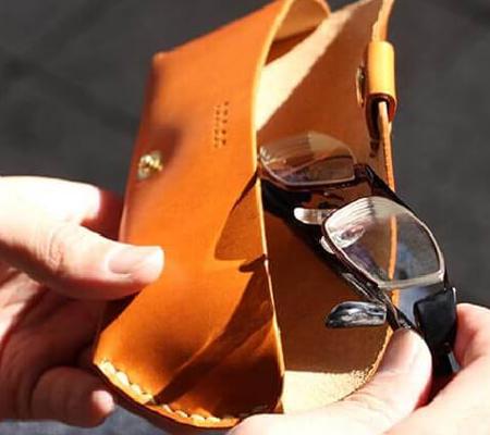 ドゥラムのメガネケース 9003