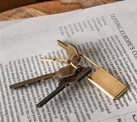 タイニーフォームドのキーリング Tiny metal key chain