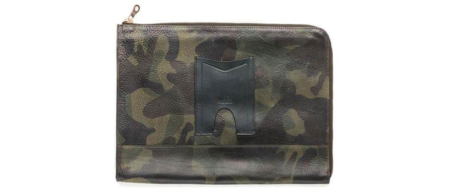 モブリスのクラッチバッグ Camo Leather Clutch Bag