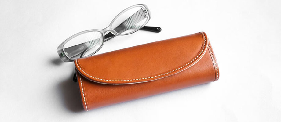 ダクトの牛革スムース メガネケース