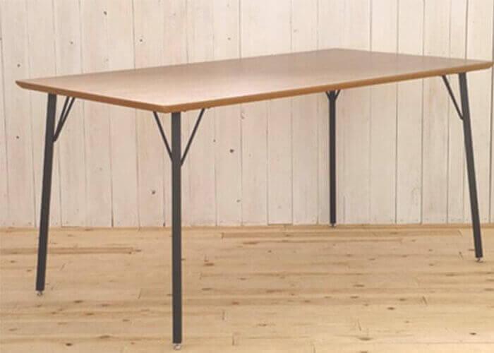 ガルトのダイニングテーブル MT 150