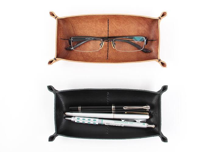 カクラ メガネ置き 革トレイ ペン&メガネ