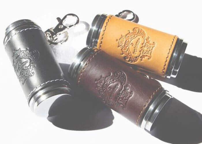 オロビアンコ 革貼り 筒型携帯灰皿