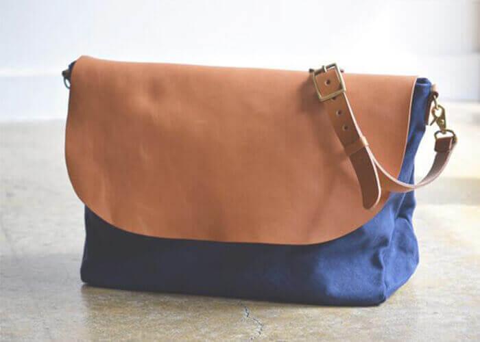ロベルのショルダーバッグ Washed Canvas & Leather Shoulder Bag
