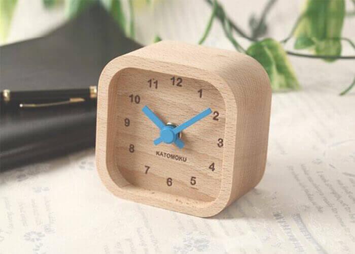加藤木工の置き時計 muku mini square clock