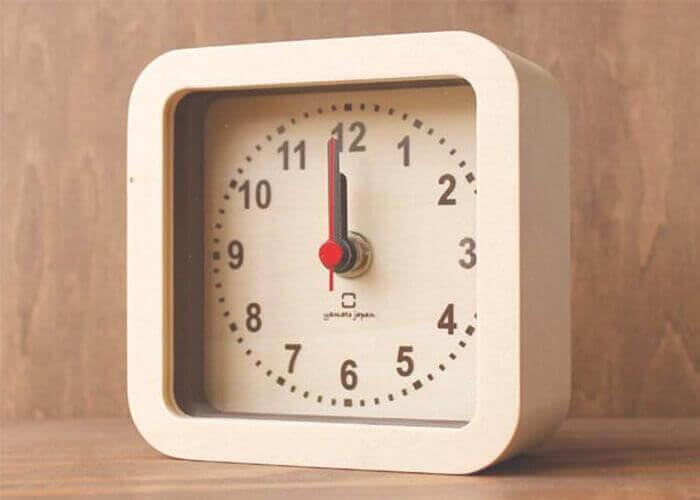 ヤマト工芸の置き時計 ROUND CLOCK stand type