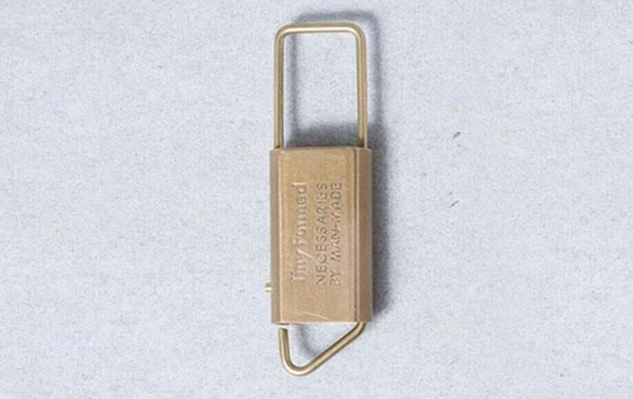 タイニーフォームドのキーホルダー Tiny metal key fold キーホルダー