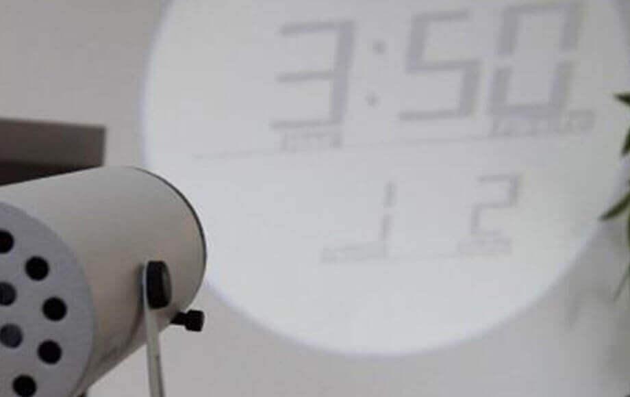 ハウスユーズプロダクツの置き時計 PROJECTION CLOCK Ruston