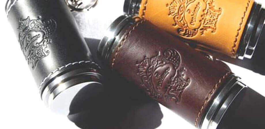 オロビアンコの革貼り筒型携帯灰皿 OROBIANCO