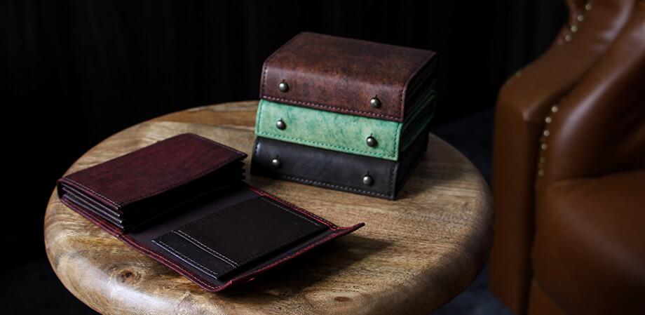 エムピウの二つ折り財布 millefoglie P25 ハバナ