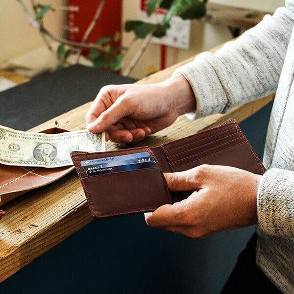 ブースターズ 極薄二つ折り財布